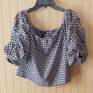 NWT Forever 21 off shoulder top black and white